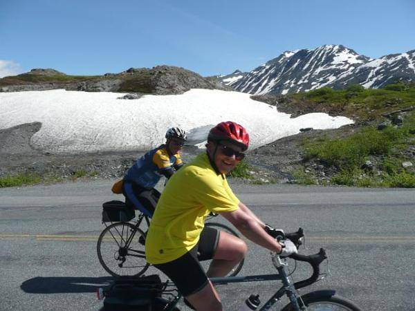 alaskan-roads-cycling